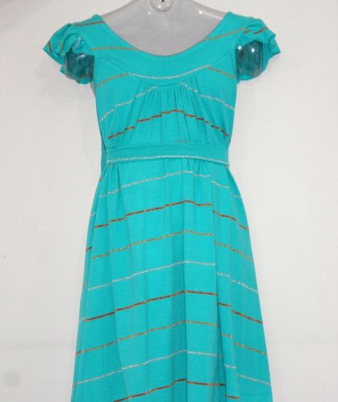 Difícil encontrar um vestidinho mais fresco para usar nesse verão !