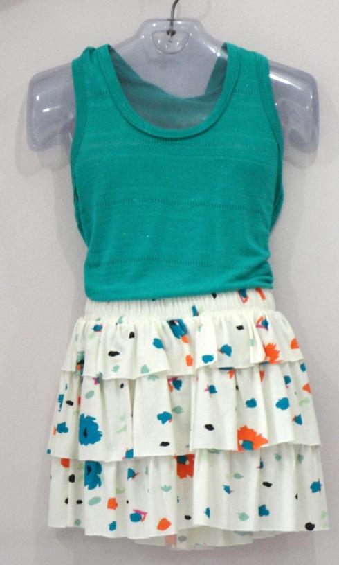 Regatinha básica ( várias cores e tamnahos) com saia em malha com babadinhos.