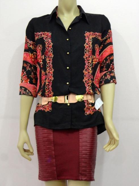 Essa saia é TUDO !!! R$ . A camisa então...sem comentários.