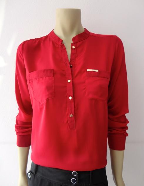 Camisa com gola padre de R$ 125,00 por R$ 100,00