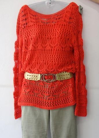 Sweater de trico LINDO de R$ por R$  , calça de linho R$ , cinto R$
