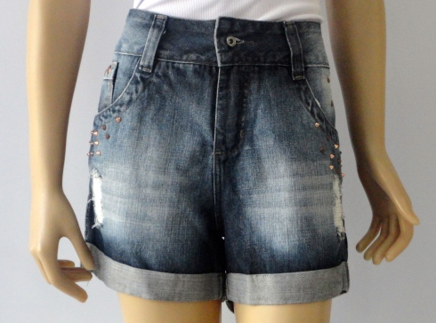 Bermuda jeans solta e confortável