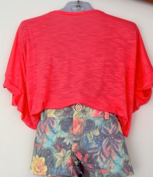 Blusa ampla em malha  shorts estampado em sarja com aplicação de brilhos . Tam 6 ao 16.