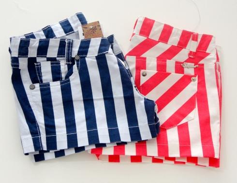 As meninas vão adorar !!! Use com uma blusa básica  lisa e pronto !